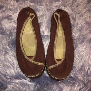 a86af08a03f77 Women s Brown TerraSoles Shoes size 8